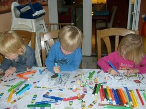 Noor, Beau en Britt kleuren